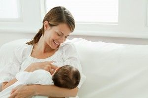 La lactancia materna ayuda a controlar la dermatitis atópica en bebés